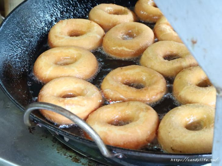 20181117215923 36 - 海嘯吧!小米甜甜圈,一中街也吃的到超夯的小米甜甜圈囉