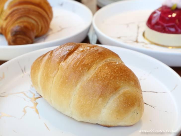 20191225235347 78 - 公益路最新結合麵包店的咖啡館!環境超美就在台中特教學校旁~