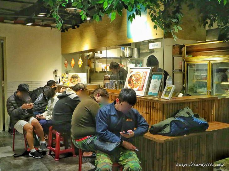 20200216164653 42 - 想吃至少要排一小時以上的拉麵店,吃完拉麵還有隱藏版加飯料理~