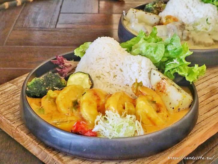20200217123553 56 - 隱身在住宅區的特色泰式咖哩飯,價格不便宜,小山丘造型超吸睛!