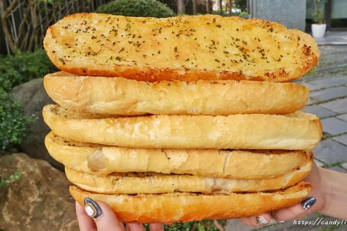 越南法國麵包工藝│台中爆紅越南法國麵包,天天大排長龍,這款麵包竟然一出爐就搶空!