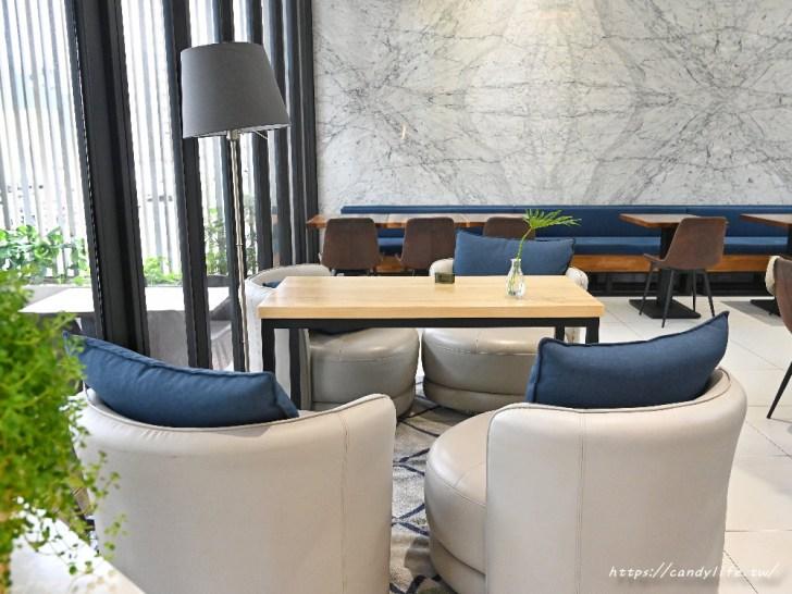 20200825004524 33 - 熱血採訪│台中方形瑪格麗特比薩,隱身在Hotel Z中,可愛咖啡杯座位,餐點擺盤超美又好吃
