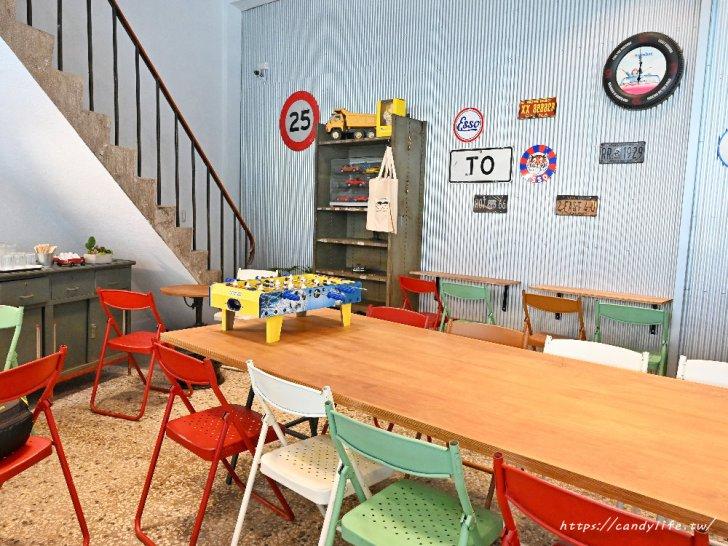 20210315102123 64 - 熱血採訪|開在修車廠裡的雞蛋糕店,裝潢超好拍,也是間寵物友善餐廳