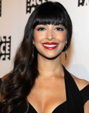 hannah simone long wavy hairstyle