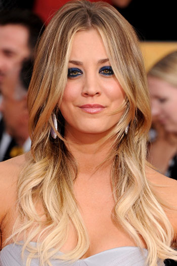 Kaley Cuocos Long Wavy Hairstyle At The 2014 SAG Awards