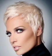 straight blonde pixie hairstyle