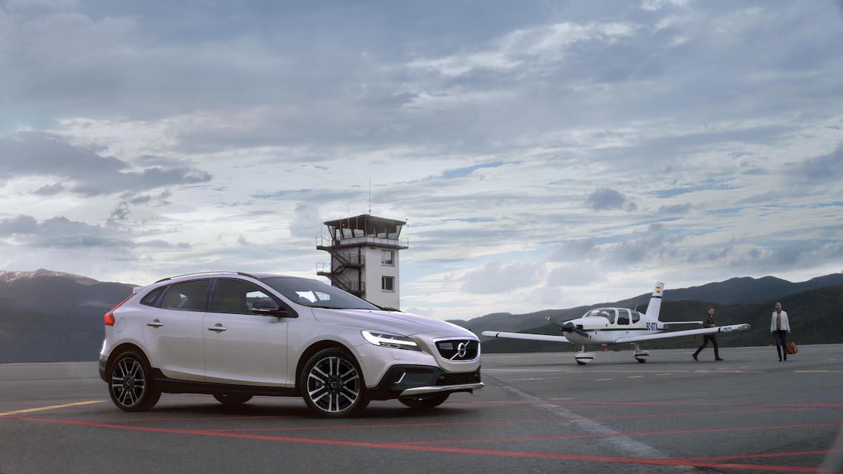 V40 改為單一動力編成。2019 年式 Volvo V40 T3 與 V40 Cross Country T4 正式發表 - CarStuff 人車事