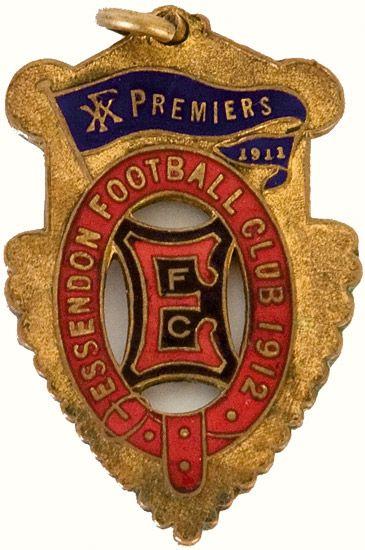 Essendon: 1912 Member's badge, enamelled 'Essendon ...