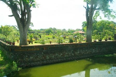 royal garden, hue, king, nguyen dynasty, hue festival