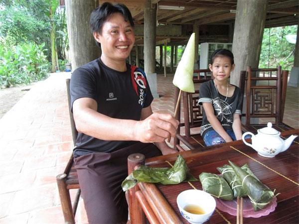 Hoa Binh, Muong ethnic group, mac khen, Vietnam economy, Vietnamnet bridge, English news about Vietnam, Vietnam news, news about Vietnam, English news, Vietnamnet news, latest news on Vietnam, Vietnam