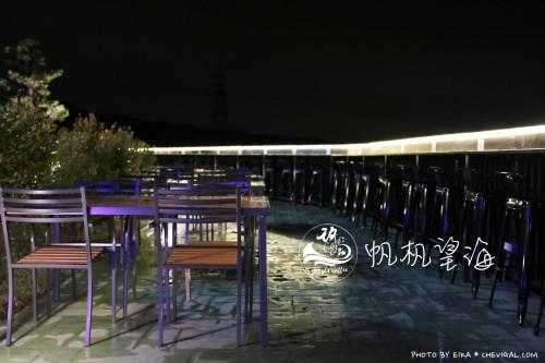 台中沙鹿│帆杋望海*超級隱密的夜景咖啡廳!繽紛色彩貨櫃屋在夜裡也超夢幻!