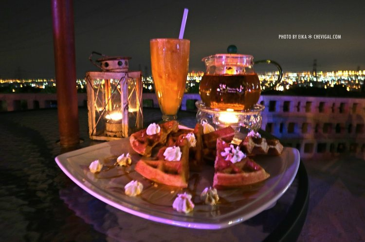 台中沙鹿│向海咖啡屋*夢幻紫色玻璃貨櫃屋。咖啡與旋律伴你欣賞星光夜景