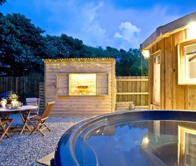 Bude Hot Tub The Round House East Thorne Bude