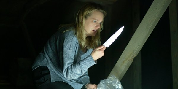 Elisabeth Moss holding a knife in The Invisible Man