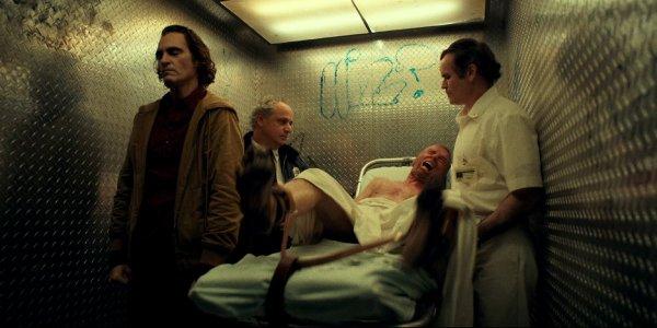 Arthur in the hospital elevator in Joker