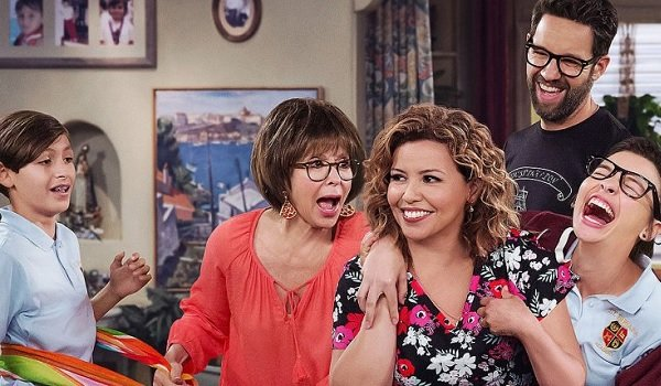 One Day At A Time Rita Moreno laughing with her sitcom family