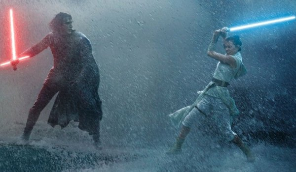 Star Wars: The Rise of Skywalker Kylo and Rey fighting in the rain