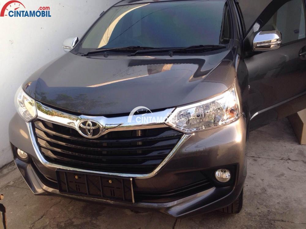grand new avanza e dan g head unit veloz 1.5 review toyota 2015 indonesia berwarna hitam dilihat dari sisi depan