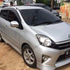 New Agya Trd Silver Grand Avanza Veloz 1.5 M/t Dijual Toyota Tahun 2013 Kodya Bandar Lampung 659984