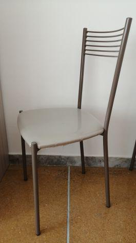 La sedia berlino, con seduta e schienale rivestiti in morbida similpelle e. 4x Sedia Mondoconvenienza A Bologna Clasf Casa E Giardino