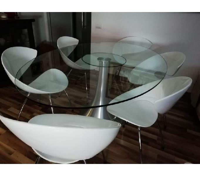 Si tratta di un tavolino rettangolare che può essere posizionato a diverse altezze e che nella sua estensione massima diventa un tavolo da pranzo. Tavolo Chateau Ax Offertes Settembre Clasf