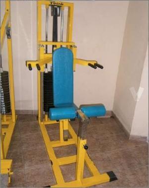 Maquina dominadas fondos y silla romana  Posot Class