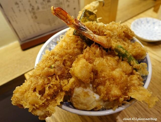 ▌東京必吃美食▌CP值破表♥金子半之助♥天婦羅滿到快掉出來、排一個半小時也值得
