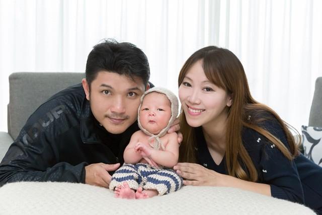 ▌新生兒寫真▌♥潘朵拉專業兒童攝影♥四寶弟出生20天的寶寶全家福紀念