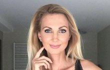 Moderator Sandra Pospíšilová: With pearls for a million