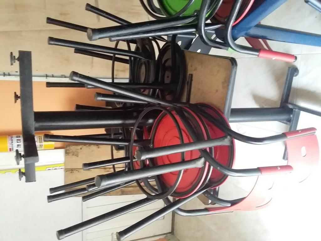 Juego de 4 mesas con 16 sillas para cafetera  Posot Class