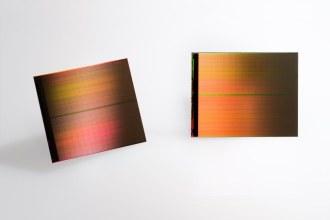 二進位的世界:記憶體發展簡史  / DDR4 VS. DDR3 效能評測