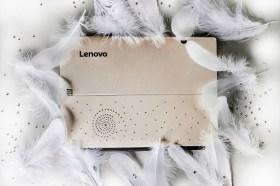 寵愛媽咪 Lenovo推出Miix 720璀璨限量款 閃爍水晶元素點綴二合一平板電腦 送禮最型! 一機在手輕鬆擁有筆電與平板 工作、追劇都方便