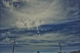 沒有專業相機 iPhone 也能拍出超美的太陽軌跡!