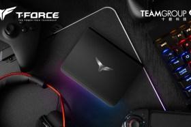 十銓推出T-FORCE TREASURE Touch外接式RGB固態硬碟 絢麗燈效一觸即炫