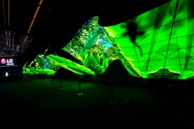 CES 2020 / 再次震撼 CES 全場觀眾 LG 巨大「 OLED Wave」成為展場焦點