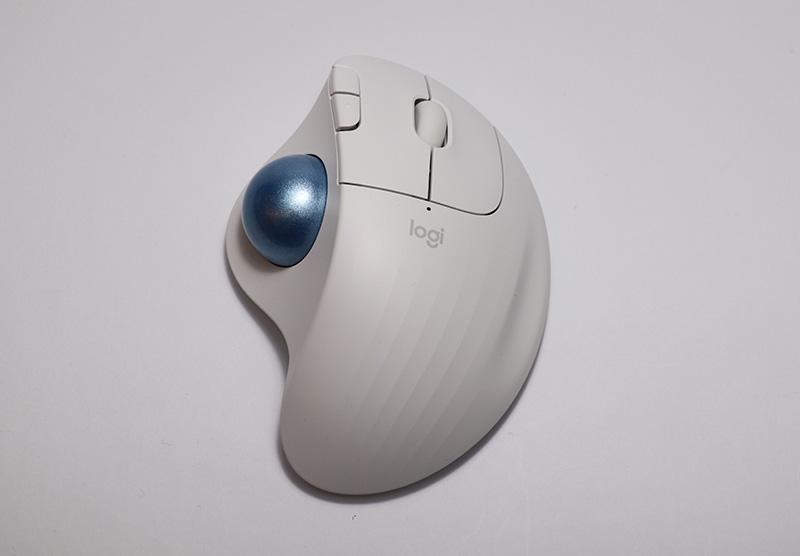 羅技ERGO M575 無線軌跡球滑鼠開箱使用心得分享 - 電腦DIY