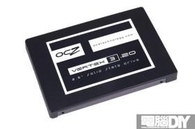 向20奈米邁進!OCZ VERTEX 3.20 240GB 固態硬碟