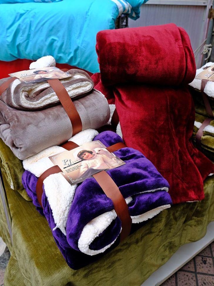 20181126222900 37 - 熱血採訪|超美歐式緹花床包組買就送舒柔羊毛被!周日限定3M天絲兩用被床包組下殺2折!