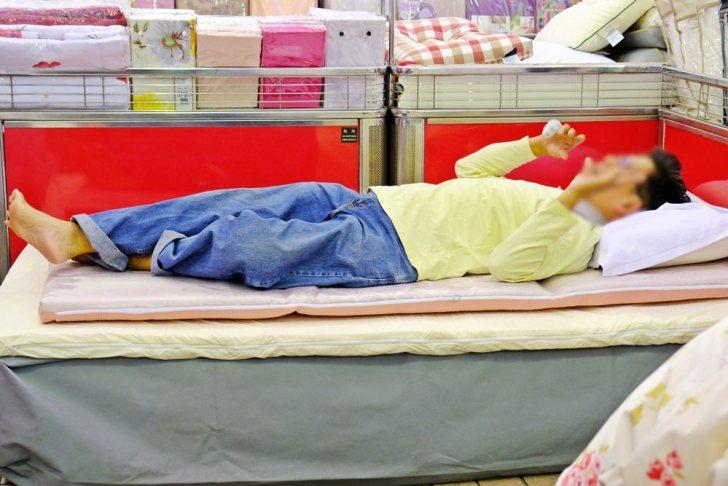 20181126223436 72 - 熱血採訪|超美歐式緹花床包組買就送舒柔羊毛被!周日限定3M天絲兩用被床包組下殺2折!