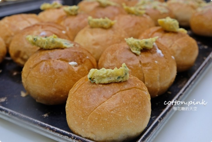 20200314162731 9 - 熱血採訪│韓國最夯的蒜蒜包!巴蕾麵包改良過,鹹甜鹹甜牽絲更好吃