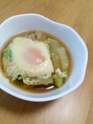 巣ごもり卵 白菜 スープ