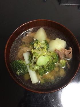 ブロッコリーとジャガイモと牛肉の汁物 by クックN5S8JS ...