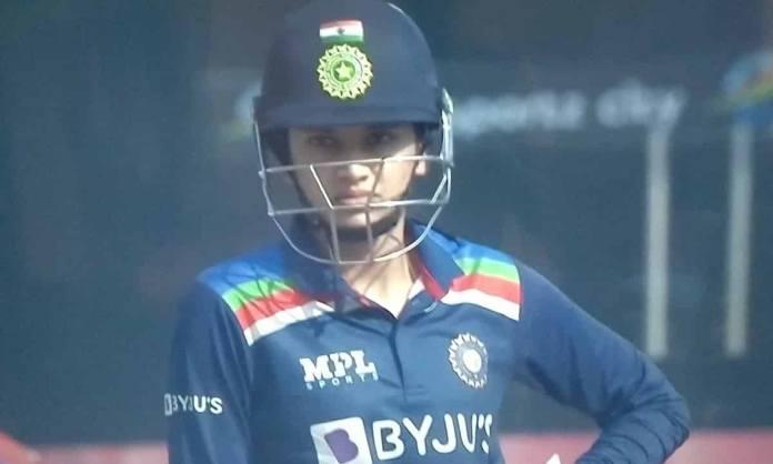 Cricket Image for स्मृति मंधाना ने धमाकेदार पारी से रचा इतिहास,वनडे क्रिकेट में ऐसा कमाल करने वाली द
