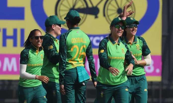 Cricket Image for IND vs AUS: ली और वोल्वार्ट की शानदार बल्लेबाजी से साउथ अफ्रीका को मिली बड़ी जीत,