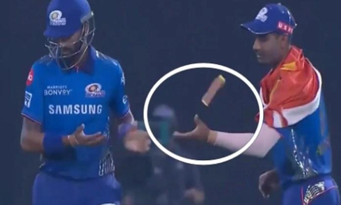 Cricket Image for VIDEO: क्रुणाल पांड्या ने दिखाया घमंड, अनुकुल रॉय के साथ किया खराब बरताव