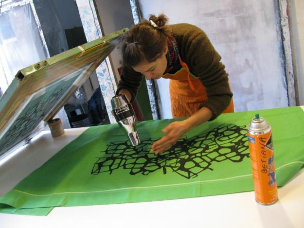 9 tutoriales de serigrafa para hacer tus propios estampados en casa  Diseo