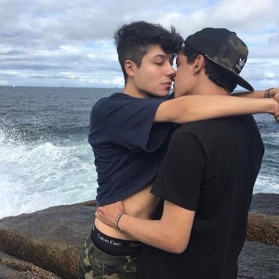 en cuantos paises sigue siendo ilegal ser gay y por que 4