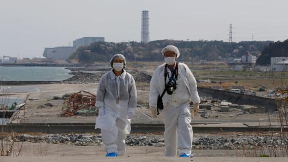 el ministro japones de medio ambiente dijo que la unica opcion para deshacerse del agua radiactiva de fukushima es tirarla en oceano pacifico 1