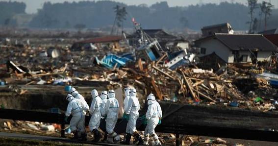 el ministro japones de medio ambiente dijo que la unica opcion para deshacerse del agua radiactiva de fukushima es tirarla en oceano pacifico 2