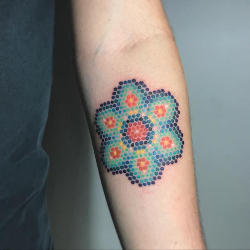 15 ideas de tatuajes de bordados huicholes y otomíes 4